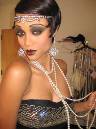 1920s makeup look. Makeup: The style in the 1920s