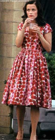 Reese Witherspoon in costume as June Carter.