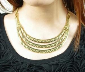 bib-triple-necklace